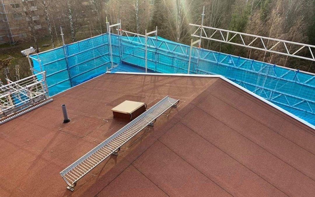 Från tegel till tätskikt – långsiktiga tak för väder och vind