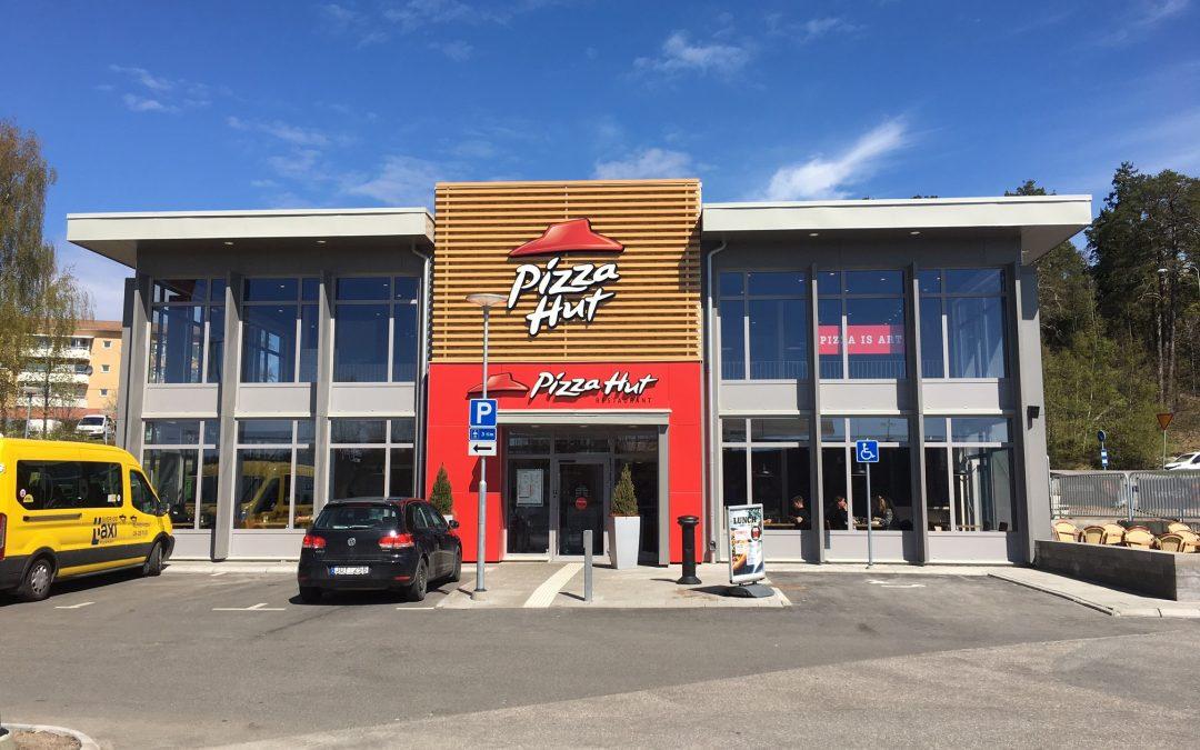 Olofsson Bygg valde Hagmans Tak för  Pizza Huts nya restaurang i Hallunda